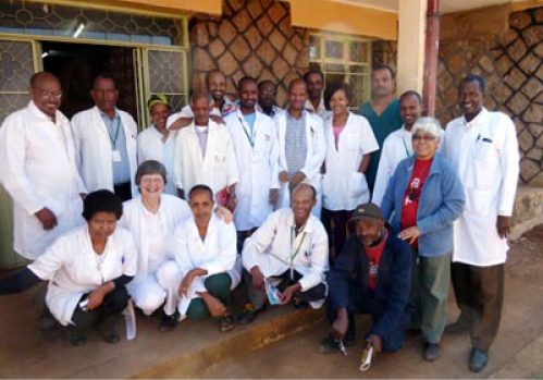 Das gesamte medizinische Team im Krankenhaus Attat in Äthiopien 2019